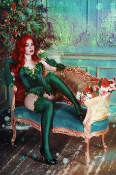 Poison Ivy costume Halloween costume for Adult image 6 Poison Ivy Cosplay, Poison Ivy Costumes, Poison Ivy Kostüm, Poison Ivy Batman, Poison Ivy Makeup, Couples Halloween, Halloween Kostüm, Halloween Cosplay, Halloween Outfits