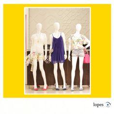 Vitrina loja moda jovem feminina.