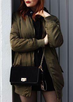 Outfit : Green Bomber Jacket & Overknees
