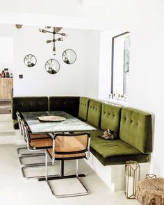 Thonet S32 (Marcel Breuer) / Green Bench / Cat / Love