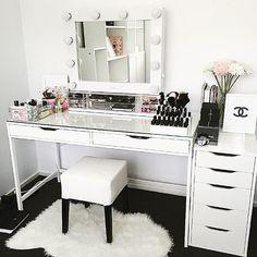 22 Ideas Makeup Vanity Organization Desks Beauty Room For 2020 - Image 4 of 25 Makeup Storage Desk, Ikea Makeup Vanity, Makeup Vanities, Makeup Desk, Vanity Organization, Makeup Rooms, Vanity Desk Ikea, Alex Drawer Vanity, Makeup Bord