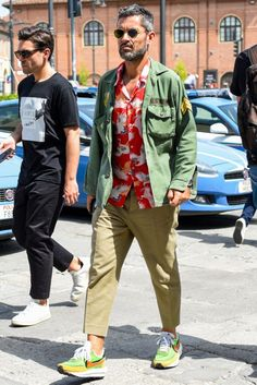 Mens Fall Street Style, Men Street Look, Mature Mens Fashion, Suit Fashion, Future Clothes, Looks Style, Mode Style, Military Fashion, Shirt Outfit