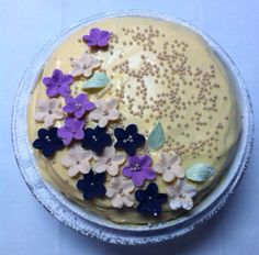 Wedding Cake ... Delicious  [dɪˈlɪʃəs] !!!