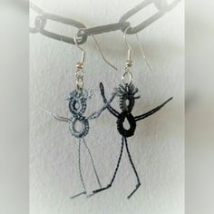Hey-Man -earrings, tatted by Lankapuu on Etsy