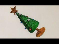 How to make mini tabletop christmas tree Christmas Tree With Presents, Tabletop Christmas Tree, Miniature Christmas Trees, Great Christmas Gifts, Christmas Diy, Christmas Decorations, Christmas Ornaments, Quilling Christmas, Christmas Stuff