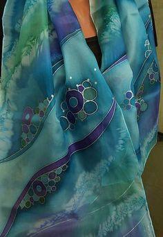 Ručne maľovaný hodvábny šál ponge 5. Tento šálik je už predaný,ale rada namaľujem podobný aj v inej veľkosti. Perie sa ručne pri teplote 30 – 40 °C (odporúča sa myd...
