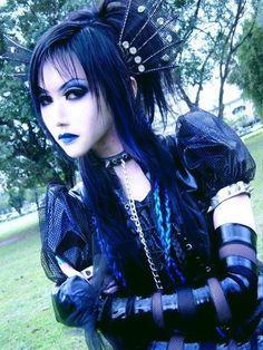 I enjoy her hair things! Gothic Lolita - Toshiya (Garden) Cosplay - gothic-lolita Photo