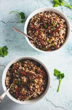 Recipes On A Budget This earthy flavored lentil rice is full of iron, and protein. Made with only a handful of ingredients, on a budget! Greek Recipes, Rice Recipes, Easy Healthy Recipes, Easy Dinner Recipes, Whole Food Recipes, Vegan Recipes, Lentil Recipes, Lentil Dishes, Lentils And Rice