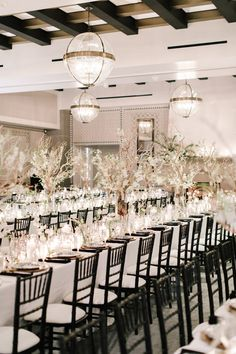 Wedding Themes A Black-and-White Hotel Wedding in Santa Barbara - This couple had to find a new venue just five weeks before their big day! White Wedding Decorations, Wedding Table Settings, Wedding Themes, Wedding Colors, Table Decorations, Wedding Ideas, Wedding Cakes, Geek Wedding, Wedding Inspiration
