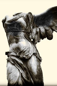 Victoria de Samotracia. Displayed at the Louvre, Paris