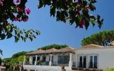 deal Homes Portugal understand that purchasing property, especially abroad, can be a daunting experience. As a result, we offer you our property quality guarantee.