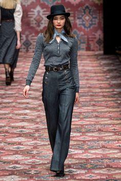 Fashion Shows - Lena Hoschek Berlin Herbst/Winter 2019 - Kollektion Fall Fashion Skirts, Fall Fashion Trends, Fashion Brands, Winter Fashion, Vogue Paris, Fashion Over 50, Fashion Show, Older Women Fashion, Womens Fashion