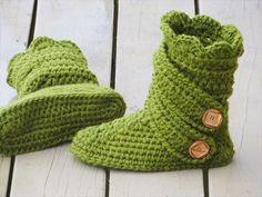 Green Crochet Boot Slipper- 30 Easy Fast Crochet Slippers Pattern | DIY to Make