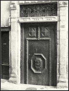 Tulle (Corrèze) - une des portes de Tulle