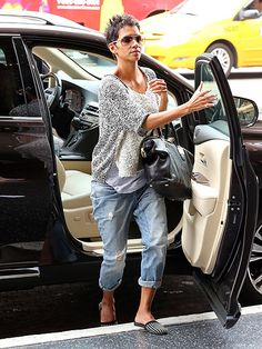 STEP RIGHT UP photo   Halle Berry #style #fashion #halleberry