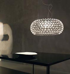 Caboche. Lámpara de techo compuesta por esferas de polimetacrilato transparente y cristal soplado. R7s 1 x 160W Incluida. Diseñador: Patricia Urquiola y Elenia Gerotto. http://www.lamparasoliva.com/lamparas/de-techo/caboche-foscarini.html