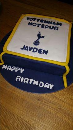 Tottenham FC cake