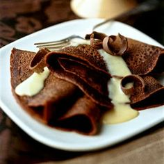 Yummy Recipes: Chocolate crepes with nutmeg vanilla sauce recipe