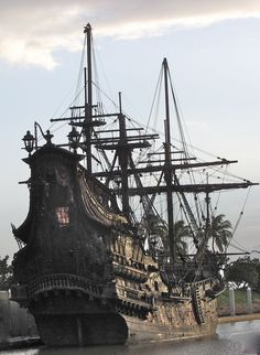 The Black Pearl ,This ship is docked in Hawaii at Ko Olina. This is what they used in the Pirates of the Caribbean movie Tall Ships, Moby Dick, Bateau Pirate, Black Pearl Ship, Old Sailing Ships, Ghost Ship, Black Sails, Wooden Ship, Yacht Boat