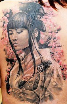 Veja uma seleção de fotos de tatuagens de Geishas para quem adora tatuagem oriental.