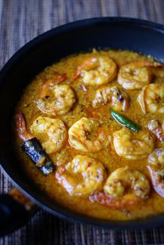 Prawn Malai Curry My brother and I grew up loathing fish. Strange really, as we grew up in a household of seafood lovers. Whenever Mum would fix up Dad's favourites of fish pakoras, sa… Shrimp Recipes Easy, Fish Recipes, Seafood Recipes, Indian Food Recipes, Asian Recipes, Cooking Recipes, King Prawn Recipes, Lobster Recipes, Cabbage Recipes