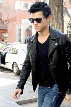 Nicht ohne meine Lederjacke: Taylor Lautner in Madrid