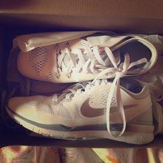 Nike Youths Free 5.0 Print Pink Mesh Trainers 38.5 EU