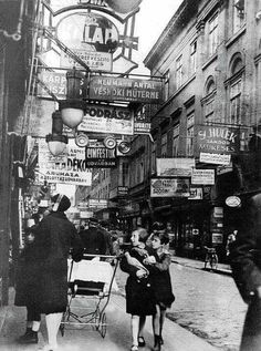 Király Street, Budapest, 1929 :: Photo by Imre Kinszky. a main thoroughfare in one of Budapest's biggest Jewish neighborhoods. Photos Du, Old Photos, Vintage Photographs, Vintage Photos, Cultura Judaica, Jewish History, Budapest Hungary, Hiroshima, The Good Old Days