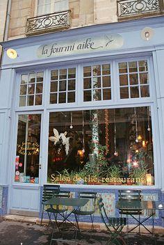 storefront- Paris La Fourmi ailée