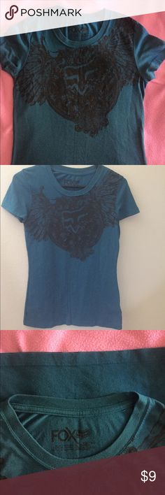 """🌸👌🏻 In Great Shape Fox Tee, XS. (Juniors) Color is """"teal"""" blue with black emblem on front. No tears in thread or stains. Fox Tops Tees - Short Sleeve"""