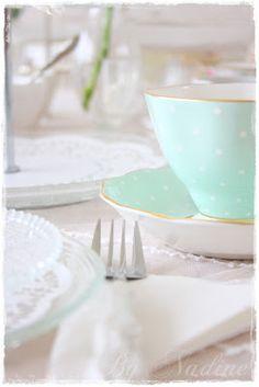 Grandma's 75th bday... Elegant tea party?