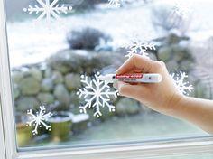 Christmas window pictures - Home Page Christmas Lights Etc, Noel Christmas, Christmas Is Coming, Winter Christmas, Christmas Crafts, Christmas Decorations, Xmas, Natural Christmas, Christmas Drawing