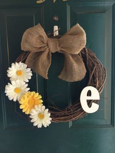Simple wreath for spring or summer