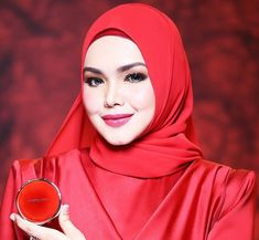 Beautiful Hijab, Beautiful Women, Siti Nurhaliza, Singing, Bird, Woman, Fashion, Women, Moda