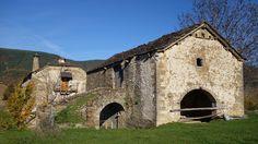 Casa Mallau. Borda la Guardia con su puente-subidor