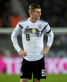 Toni Kroos of Germany looks on during the International friendly match between Germany and France at RheinEnergieStadion on November 14 2017 in. Football Is Life, Football Players, Football Team Pictures, Germany National Football Team, Thomas Muller, Dfb Team, Toni Kroos, Sports Celebrities, Cristiano Ronaldo