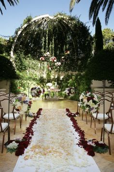 Wedding At The Las Vegas Wynn These Were Made Of Real Flowers And Showed Great Creativity Very Nice To Look