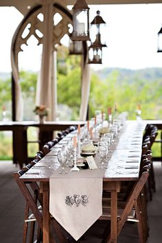 Gorgeous table for a porch dinner party