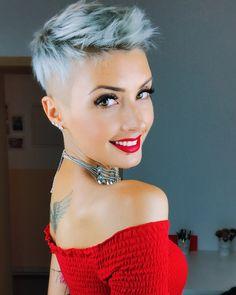Frisch vom Friseur ♀️♀️ #hair #newhaircut #hairstyle #pixie #pixiecut #undercut #silverhair #greyhair #haircolor #hairdresser #happy…