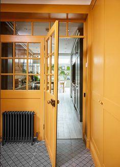 Inspiration - Chinoiserie De Gournay Wallpaper, Barnyard Door, Glass Partition, Roof Light, Georgian, Chinoiserie, New Kitchen, French Doors, Glass Door