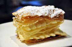 Millefeuille traditionnel « fait minute » à la vanille Bourbon. Une  spécialité irrésistible de la Maison ! Plus d'informations sur : http://bastideodeon.com/a-deguster/formules-carte #gastronomie #bastideodeon #restaurantparis #millefeuille #dessert