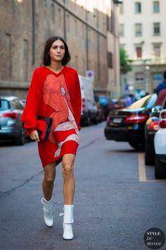 Diletta Bonaiuti Street Style Street Fashion Streetsnaps by STYLEDUMONDE Street Style Fashion Photography