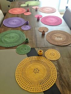 Perfect Crochet Sousplat Models – Knitting And We Crochet Placemats, Crochet Table Runner, Crochet Doilies, Dishcloth Crochet, Crochet Decoration, Crochet Home Decor, Love Crochet, Diy Crochet, Crochet Rugs