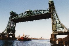Newport Bridge lifts for the last time, 1990