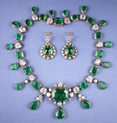 RUSSIAN CROWN JEWELS - Emerald neckalce and earings that belonged to Empress Catherine the Great.