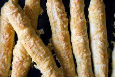 Gospodyni Miejska: Drożdżowe paluchy z serem
