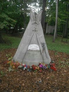 Grave Marker- Chief Quoqua - Wyandott Indian -Michigan Memorial Park Cemetery - Flat Rock, Michigan. http://www.thefuneralsource.org/cemmi.html