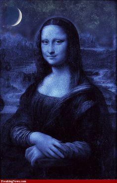 Mona Lisa at night moon art Le Sourire De Mona Lisa, La Madone, Mona Lisa Parody, Mona Lisa Smile, Classic Artwork, Many Faces, Italian Artist, Moon Art, Oeuvre D'art