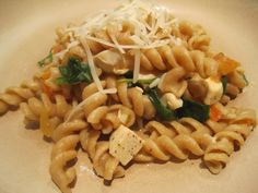 Healthy and Easy Pasta with Chicken and Spinach