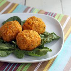 Sweet Potato Quinoa Balls, vegetarian (un)meatballs. Easy recipe for dinner or appetizers.